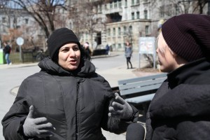 4.14.16 WICI Montreal - Interviewer Noémie Bourbonnais (right) discussing street harassment with an interviewee (left)